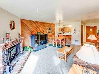 Cozy mountain condo, one bedroom, 1.25 bath, Aspen Creek #316, Walking distance