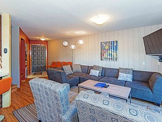 Amazing Luxury Cabin, Wifi included, In town - On Shuttle Route