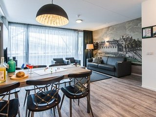 Bright and modern two bedroom apartment with canal view