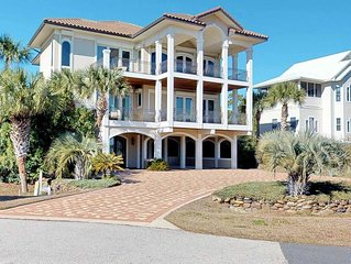 Plantation Home Just Steps From Beach, Pool, Fireplace, Elevator, Free Beach Gea