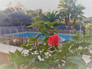Villa with private pool, quiet in enclosed planted lot