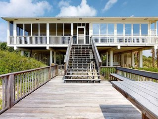 FREE BEACH GEAR! Beachfront, Plantation, Pets OK, Screen Porch, Elevator, 4BR/4B