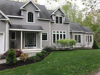 Contemporary home, steps from downtown Ogunquit, short walk to beach