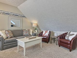 Charming 1BR North Shore Inn Condo on World Class Lake Michigan Shoreline!