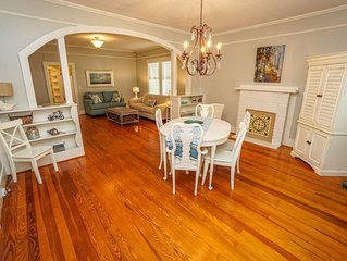 Southern Charm, Modern Amenities Walk to downtown Beaufort!