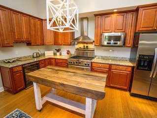 Comfortable Home walking distance to Downtown Beaufort