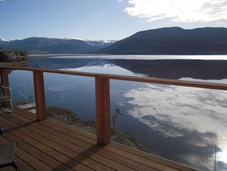 Lakefront Home - Dramatic views from upper and lower decks