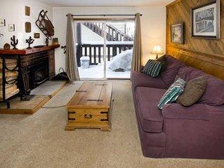 Pleasant one bedroom one bathroom mountain condo, Mammoth View Villas #8, Walk