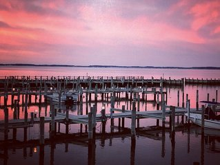 Come see beautiful fall sunsets over the bay! Amazing off season rates!