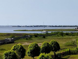 BEAUTIFUL VIEWS! Southport Waterfront Condo - No hidden fees!