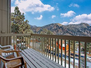 Comfortable, family-friendly home with breathtaking mountain views