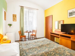 Cozy room with private Bathroom and Wi-Fi / Prague center / Parking