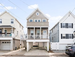 SEA BRIGHT BEACH BEAUTY. 1 block to beach, restaurants, entertainment. 3br, Deck