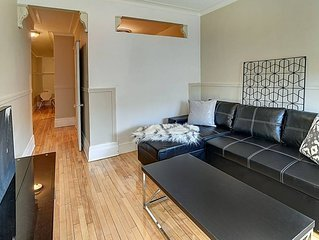2 Bdr apartment sleeps 6 on park Ave