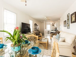 'VILLA AZUL' ~ Beautiful Unit Located in Truman Annex - Walk to all the Fun!