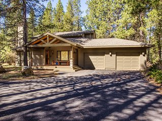 Walk to Sunriver Village! Quiet Setting, 2 Master Suites, A/C - Backwoods 3