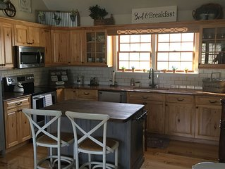 Cozy Farm House Retreat in The Quaint Hamlet of Remsenburg With Heated Pool
