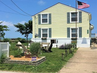 Quaint Cottage on Lake Erie (Near Port Clinton) Free WiFi, Lakefront, Beaches