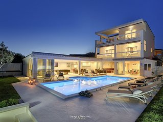 Beautiful villa for larger groups in Pula