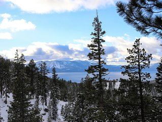 BREATHTAKING LAKE AND MOUNTAIN VIEWS! 2 PRIVATE BALCONIES! SKI OUT!