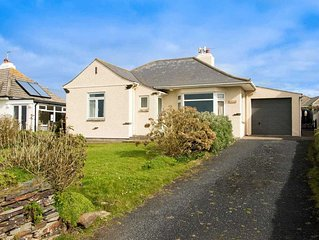 Great value bungalow in stunning beachfront location in north Cornwall, just sou