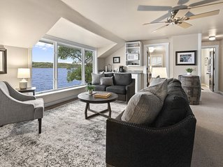 Lake Geneva | Lakefront Home, Private Beach, Pier, Rooftop Deck, Kayaks