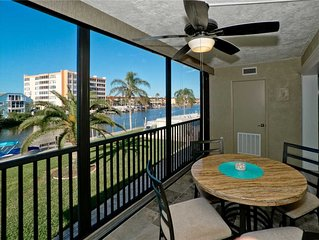 Inlet 21, Renovated 2 Bedroom, Lagoon and Gulf Views, Pool, WiFi, Sleeps 6