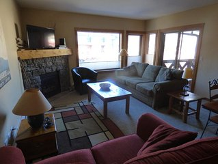Your Ideal Vacation home.Central Location,access to Hot tub/Fitness Room
