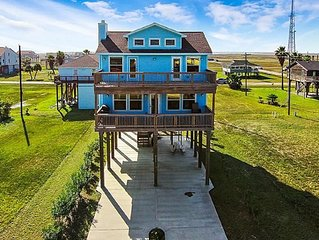 Beautiful Custom Beach House with Panoramic View Reduced rates on monthly rental