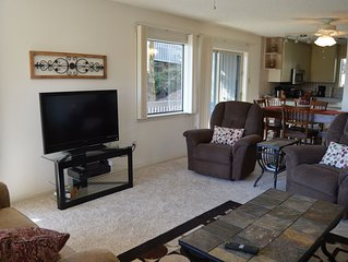 Cliffside Condo with scenic View of Greers Ferry Lake & WiFi