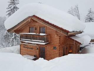 Exclusive, new, very spacious house, in a prime location on the slopes! Book NO