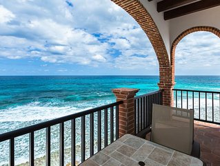 Oceanside Villa 'Cozumel' with a/c and pool