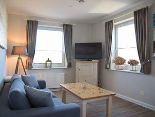 Die schicke und gemütlich eingerichtete 2-Zimmer-Wohnung ist stadtnah gelegen.