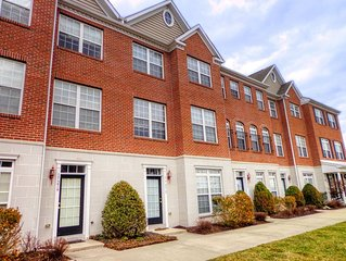 CHECK THIS PLACE OUT- Townhouse in Village of Five Points!��