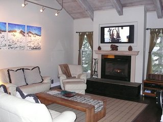 Val D' Isere-Beautiful! -Ski In/Out!  Condo.