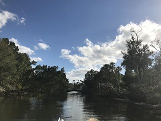 3/2 NEWLY REMODELED HOME IN CRYSTAL RIVER! Bring your boat!!!