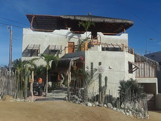 Awesome panoramic views!  Sleeps 6.Close to beach and town!
