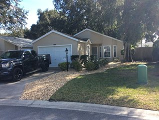Home in Sought after Plantation in Leesburg, FL!