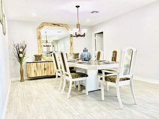 Cozy fully remodeled north Phoenix home close to six flags hurricane harbor !