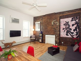 Color & Style: Artist Loft sleeps 4/Priv Bdrm/1 min to subway/8 min to Time Squ