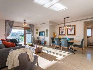 King David VI - Three Bedroom Apartment, Sleeps 8