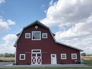 Relax At The Farm!   Newly Built Studio Apartment In The Barn At Selah Farm