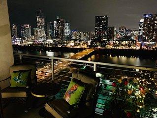 Luxury Downtown Austin Penthouse w/Amazing City View!