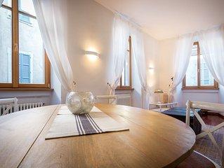 romantico appartamento nel centro storico di Como, a pochi passi dal lago.
