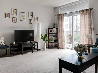 Bright 1BR w/ Patio | Foodie Paradise | Parking