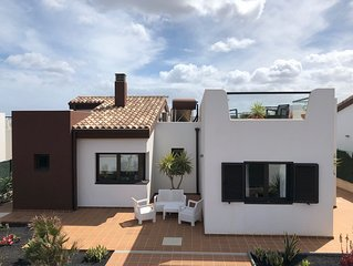 Luxury Family Villa in Caleta De Fuste 300m from beach - Highly Rated