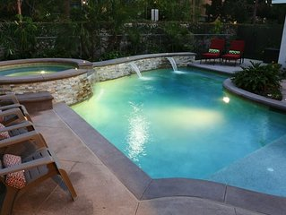 Upscale 6 Bed, 5 Ba, New Pool W/Jacuzzi, 1/2 Mile Walk to Disney