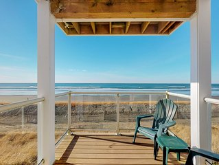 Oceanview and dog-friendly condo w/ free WiFi, shared pool & hot tub!