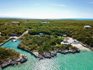Private Waterfront Estate with Boat, Kayaks, Paddleboards, and Snorkeling Gear