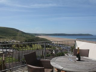 Contemporary 2-Bed Apartment with Stunning Views over Woolacombe Bay